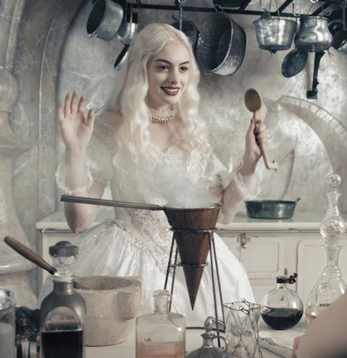 The White Queen - Alice in Wonderland